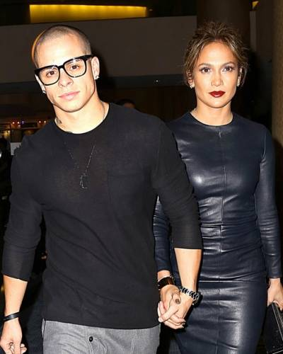 image for Jennifer Lopez descarta casarse con Casper Smart