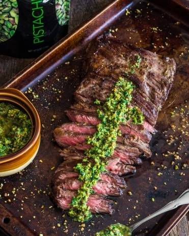 image for Churrasco con salsa chimichurri de pistacho