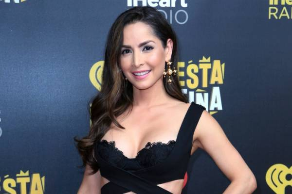 image for Carmen Villalobos rompe a llorar en plena entrevista (VIDEO)