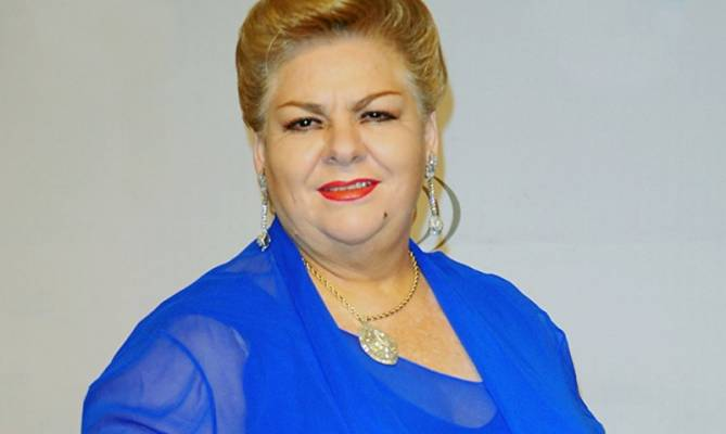 image for Paquita la del Barrio se duerme en plena entrevista (VIDEO)