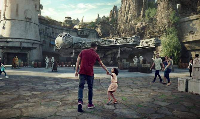 image for ¡Ya hay fecha de apertura de Star Wars: Galaxy's Edge en Anaheim (California) y Disney's Hollywood Studios (Florida)!