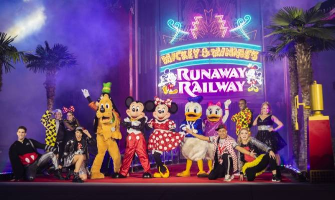image for ¡Abre sus puertas Mickey & Minnie's Runaway Railway en Hollywood Studios!